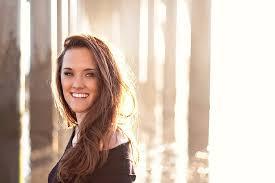 Amanda Holmes